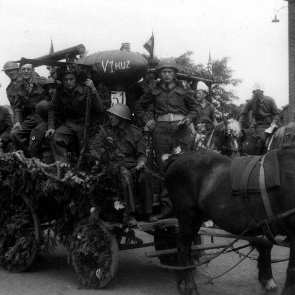 bevrijdingsfeesten-te-koersel-24-6-1945.jpg