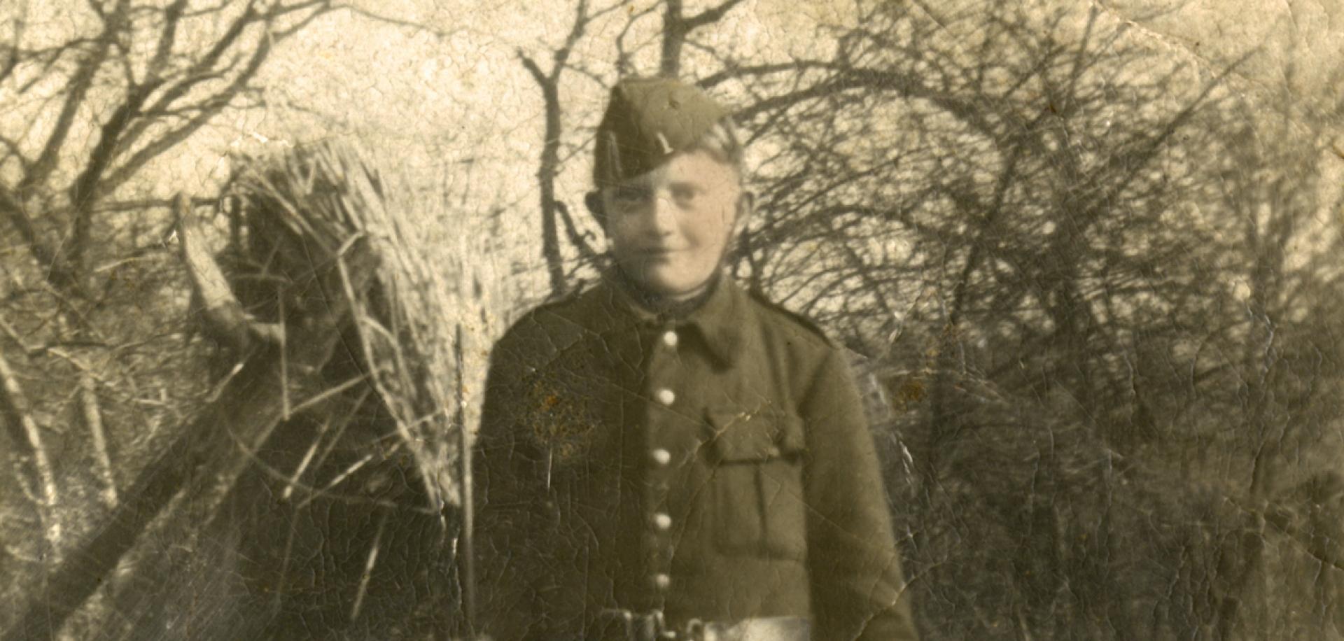 Hubert met uniform-1