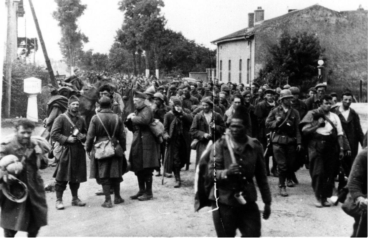 807-pg-belges-et-franAais-mai-1940.jpg