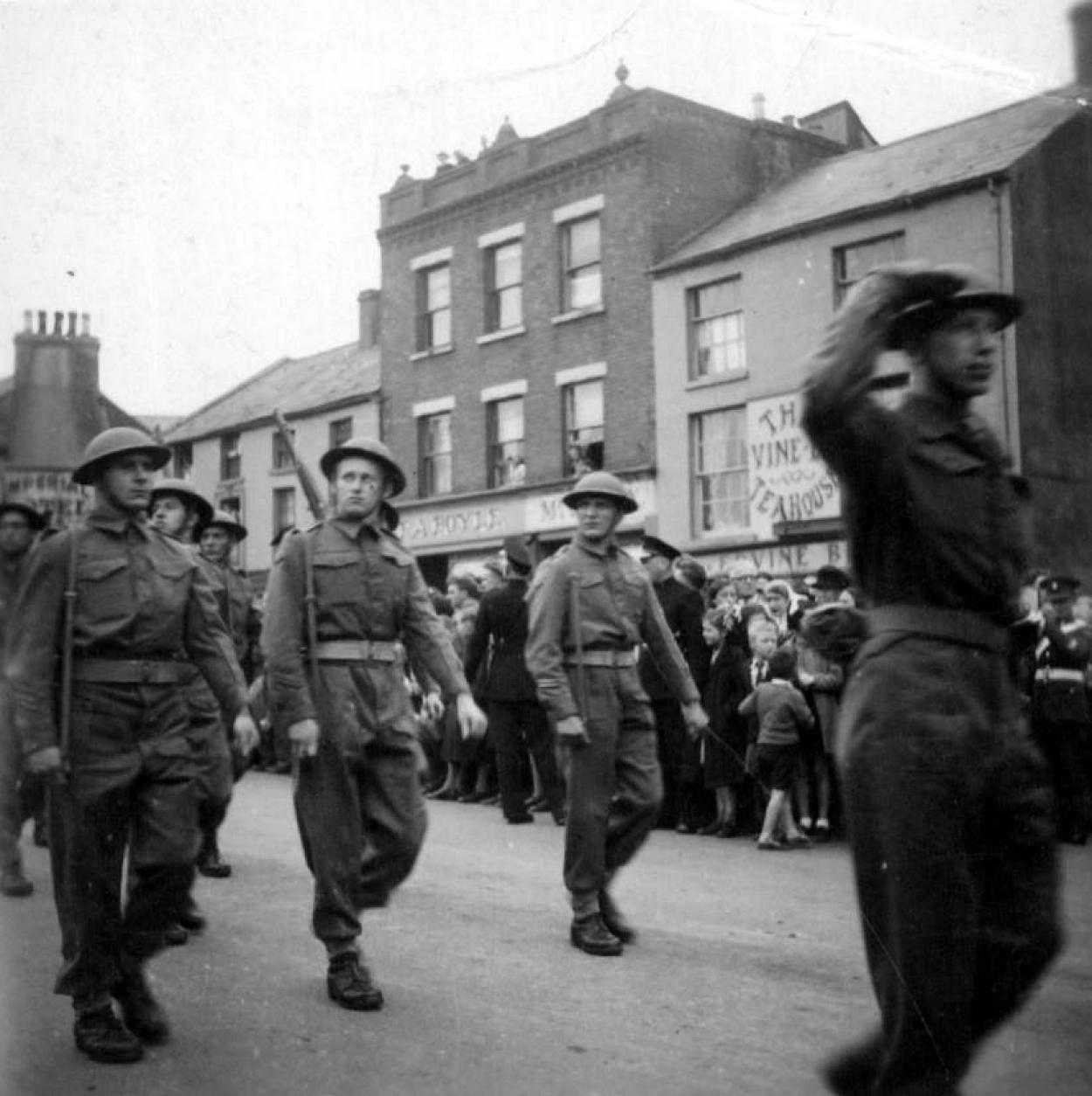 82092-troupes-belges-en-irlande.jpg