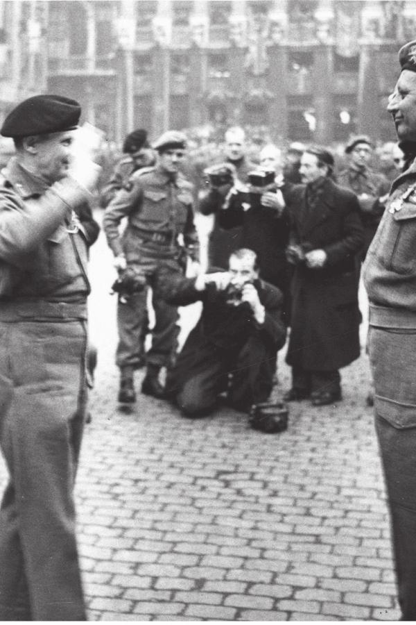 mars-1945-bruxelles-monty-et-col-piron.jpg