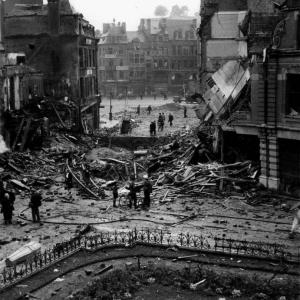 bombardement-van-namur-door-de-geallieerden.jpg