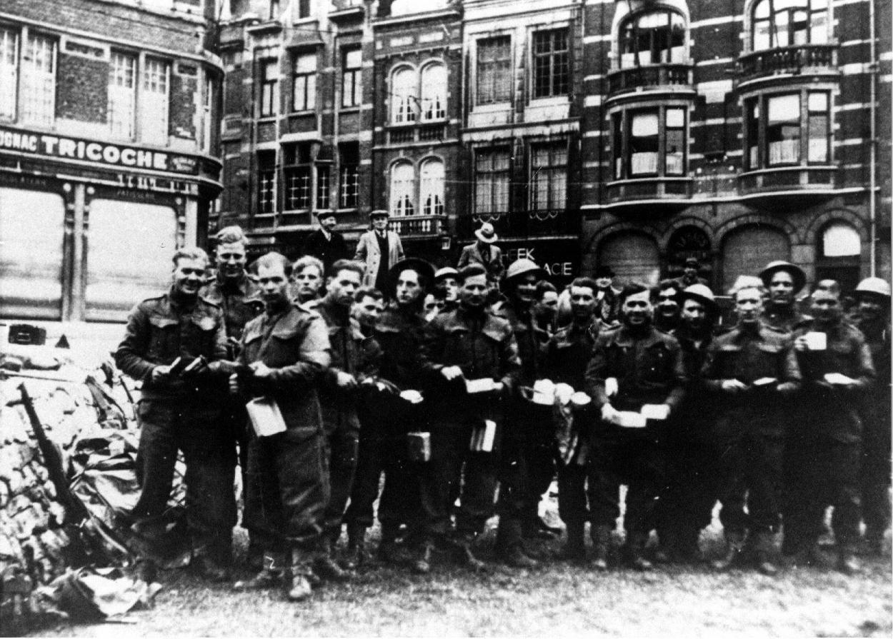 432-soldats-britanniques-A-louvain.jpg