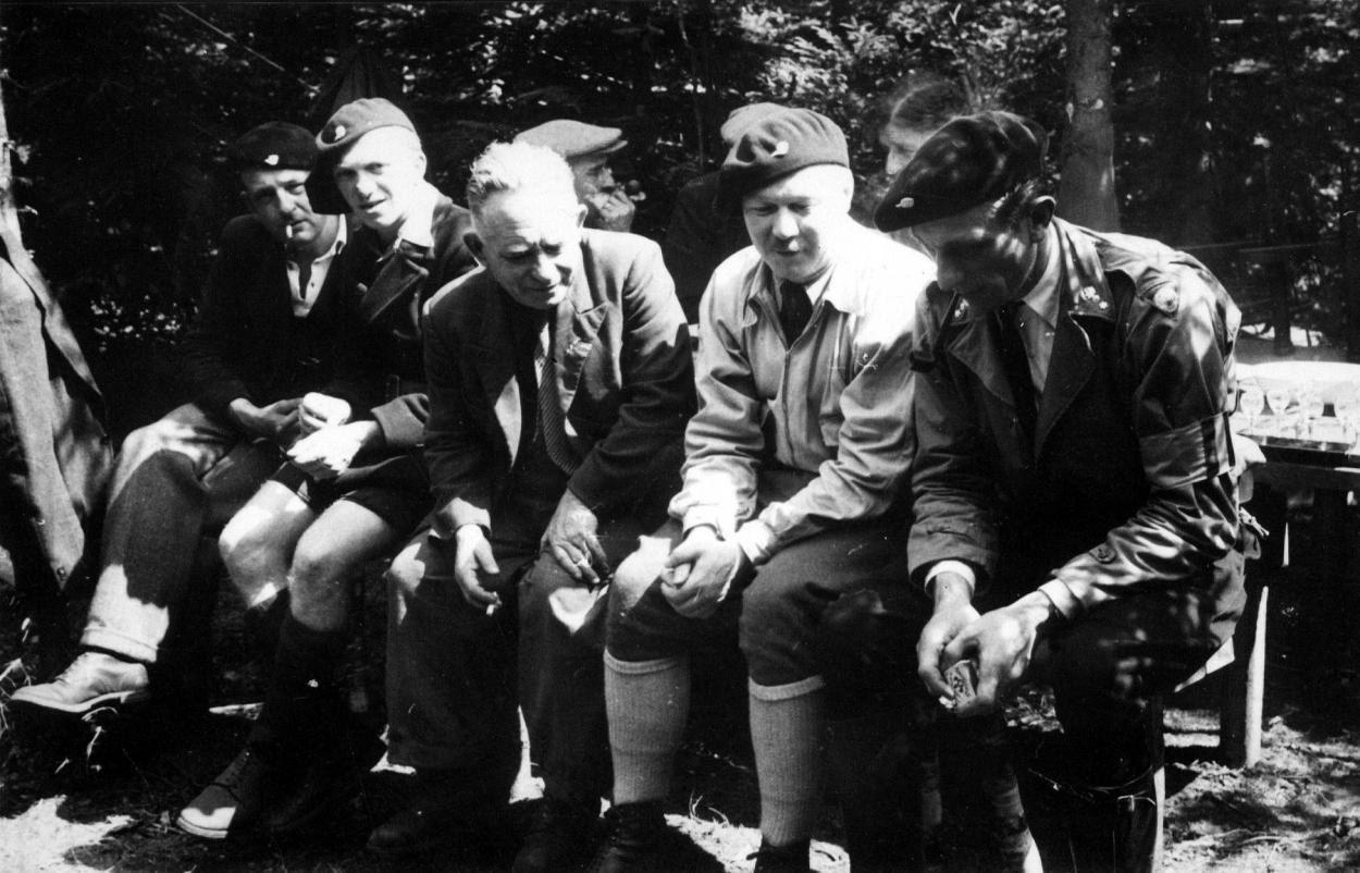 as-aoAt-1944-photo-27911.jpg