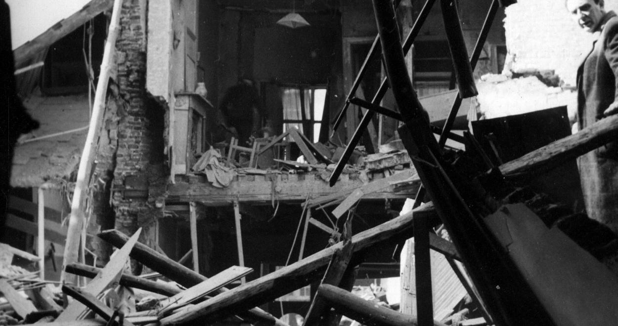 26992-bombardement-de-courtrai-1944(2).jpg