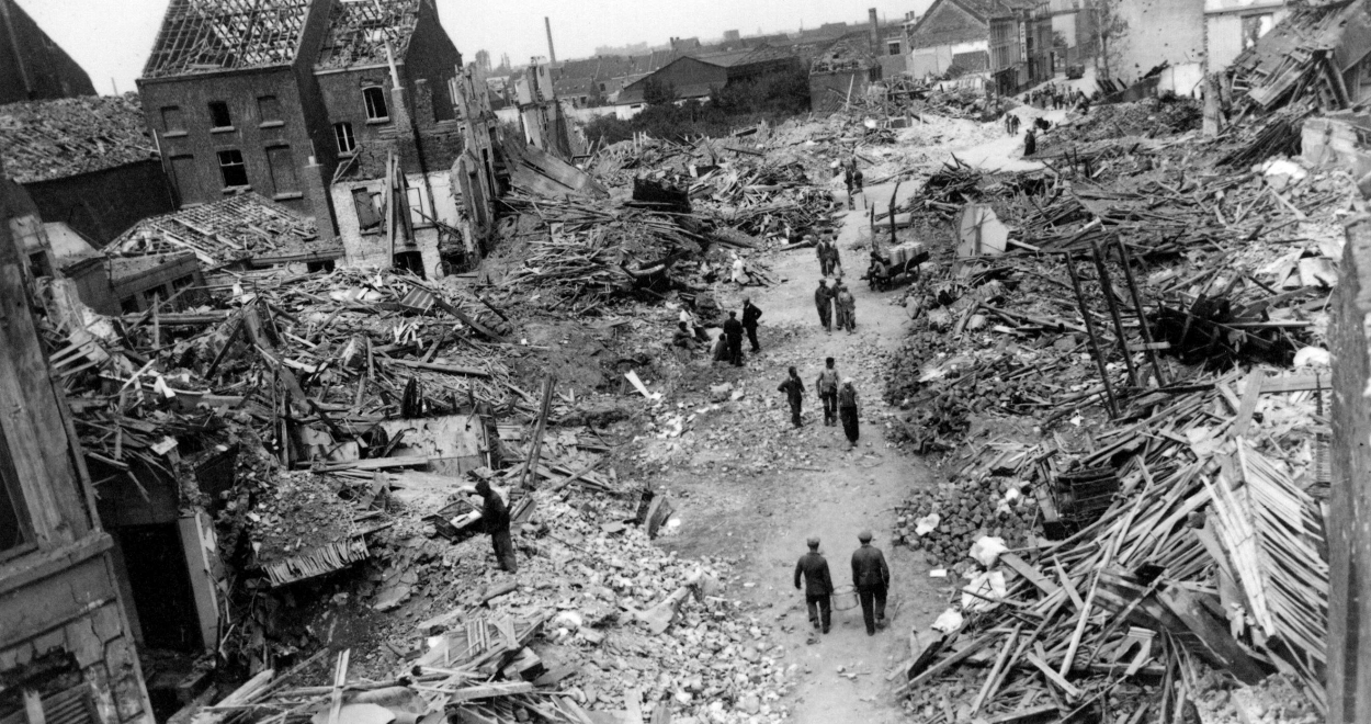 27018-bombardement-20-21-7-1944.jpg