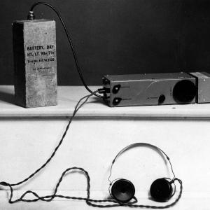 28076-appareil-pour-communiquer-avec-londres.jpg