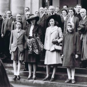 apr-dApart-de-la-famille-royale-6-6-1944.jpg